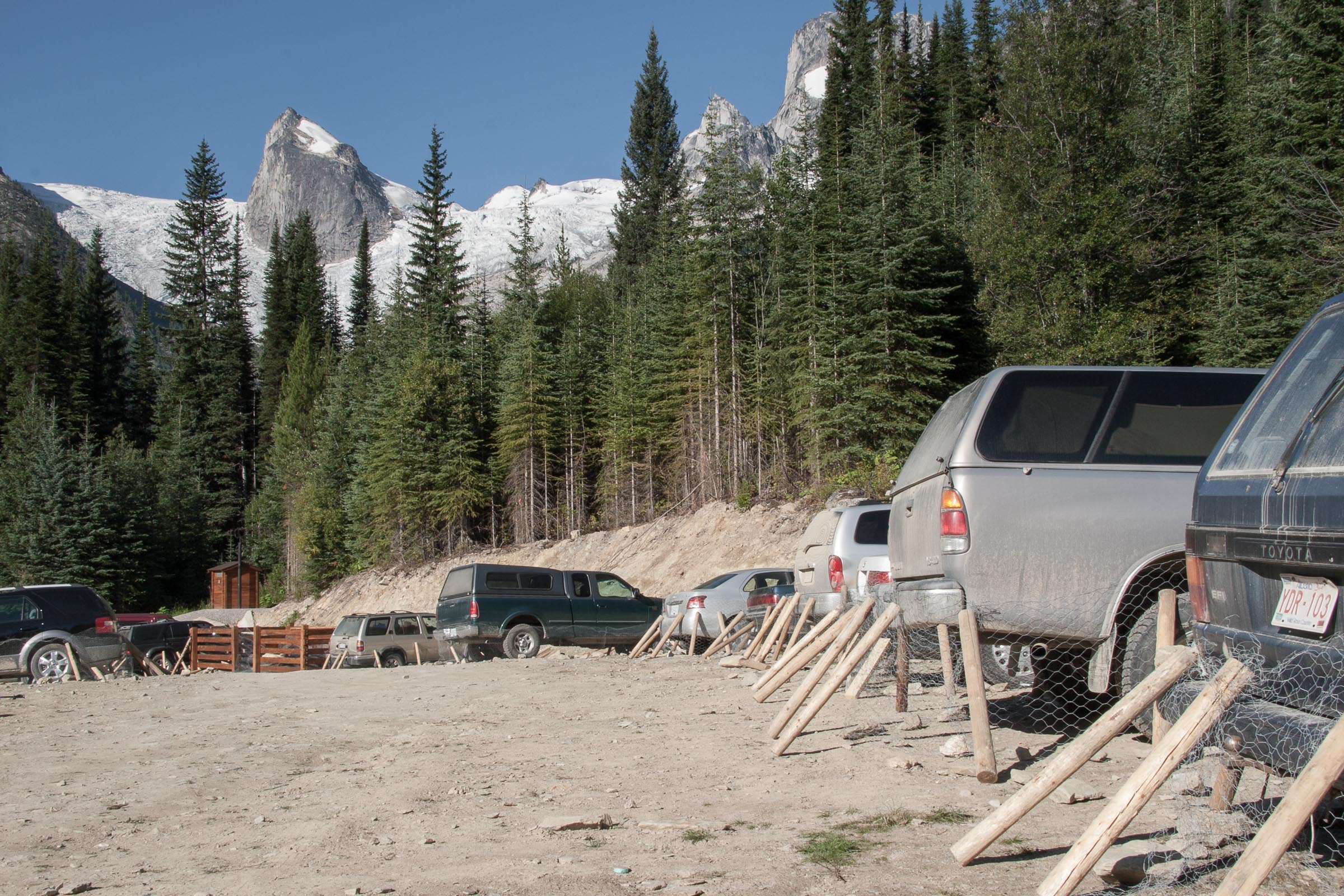 Parking at Bugaboos trailhead