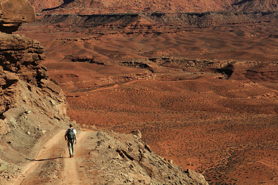 National geographic hiking canyonlands and arches national parks.