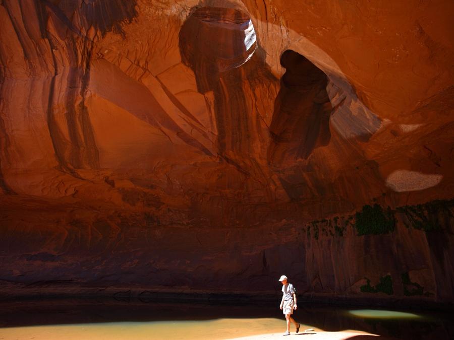 neon canyon escalante utah