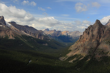 Lake O'Hara valley